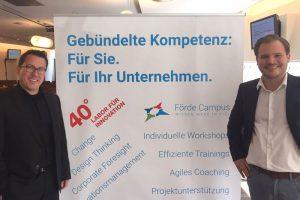 Förde Campus GmbH | Kooperation mit der 40 Grad GmbH - Labor für Innovation | Geschäftsführer Frederik Bernard (40 Grad GmbH) und Henning Heinemann (Förde Campus GmbH) | Fort- und Weiterbildung Kiel und Schleswig-Holstein