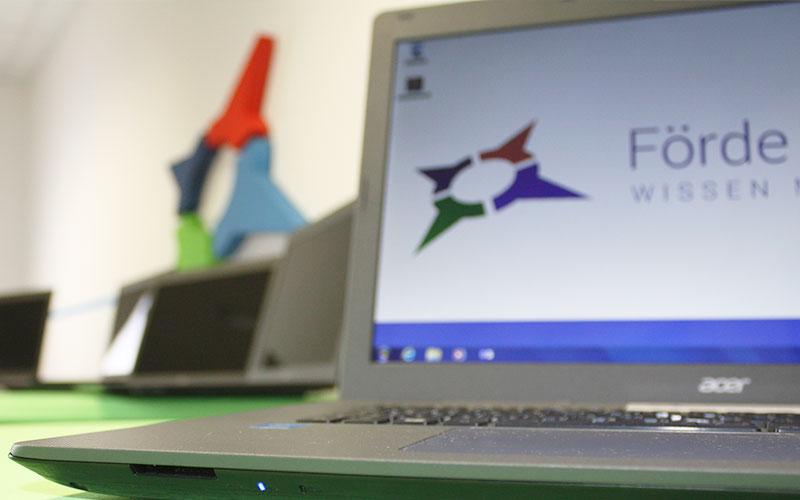 Laptop mieten Kiel | Mobiles Klassenzimmer | Laptopvermietung für Meetings, Seminare, Schulungen, Fortbildungen, Weiterbildungen mit Installationsservice | Förde Campus